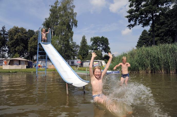 Camping-und Wohnmobilplatz am Zwenzower Ufer